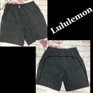 Men's Lululemon lined shorts L